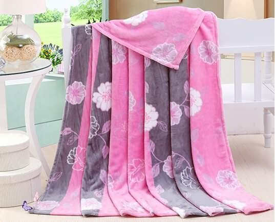 Flannel fleece blanket with printed design